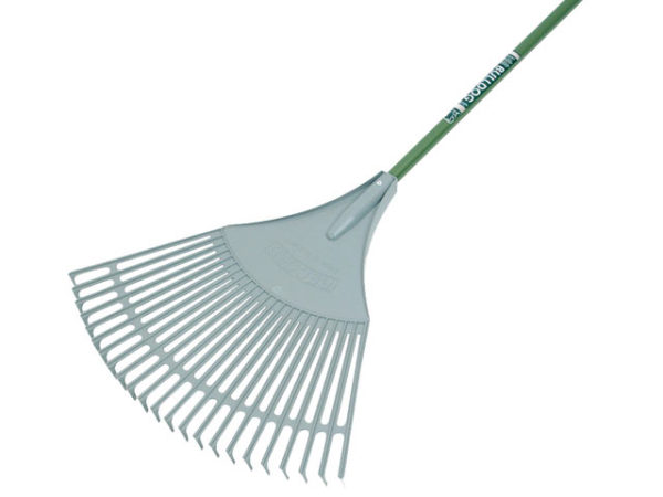 Evergreen Plastic Leaf Rake Aluminium Shaft
