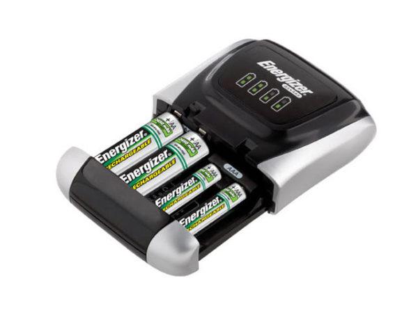 Charger 1300 + 4 AA 1300mAh Batteries