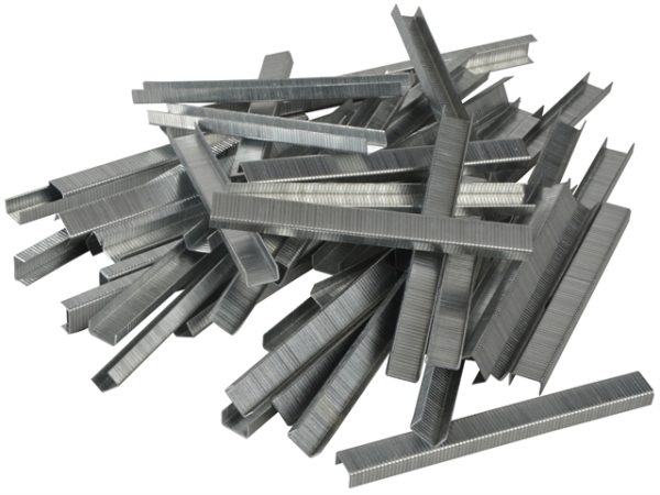 140/6 6mm Galvanised Staples Poly Pack 5000