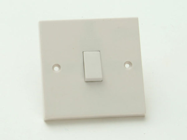 Light Switch 1 Gang 2 Way Clam Pack