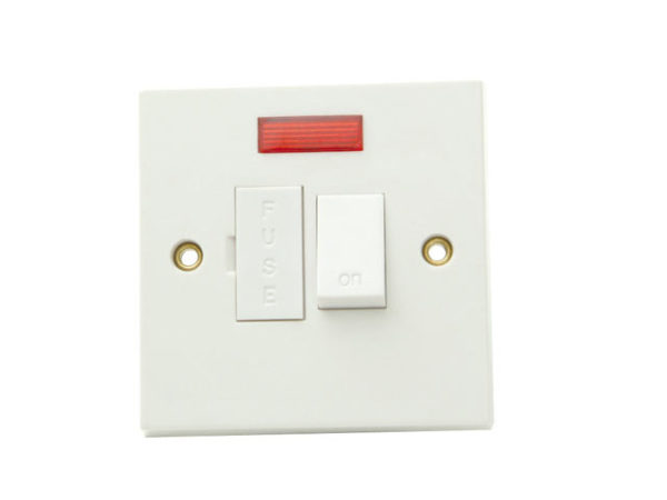 Fused Switched Connection Unit Neon 13A Clam Pack