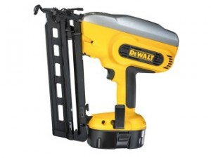 DC618K Finishing Nailer 18 Volt, 2 x NiMH Batteries from DeWalt