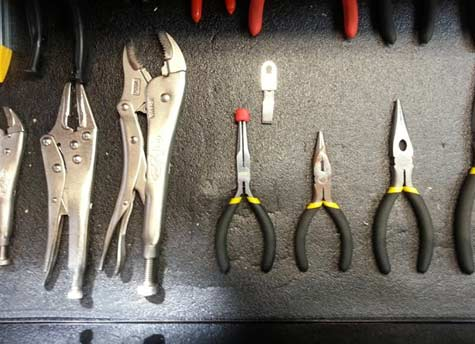 tool clips Our New Discovery Sugru   15 Easter DIY ideas