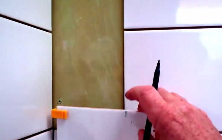 Using Tile Clip Pro to Cut Tiles