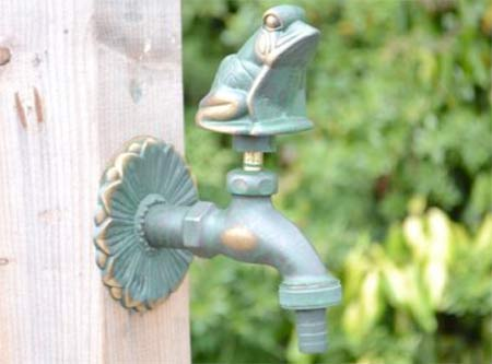 Frog shaped garden tap