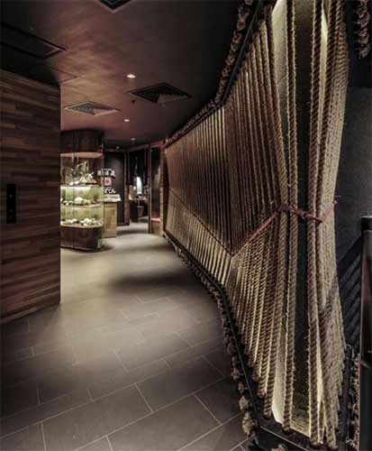 Rope partition wall