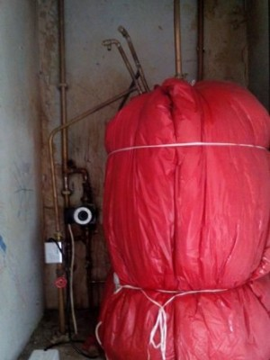 cylinder cupboard 1.jpg
