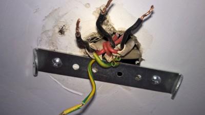 Light wiring.jpg