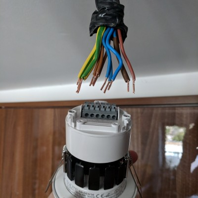 LED switched light wiring SS.jpg
