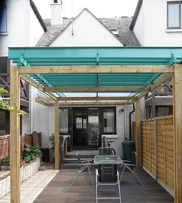 Enjoy sunshine and shade with Light'n'Shade roofing system