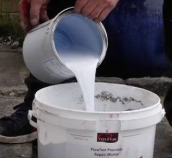 Mixing Flowfast concrete with resin and hardener