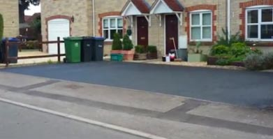 Restoring tarmac makes your drive look new