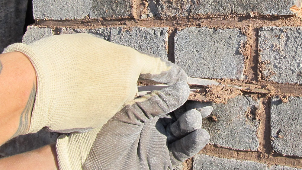 Pointing Brickwork How To Point Brickwork And Renewing