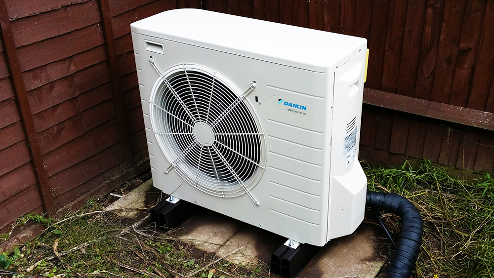 Air Source Heat Pumps – How Heat can be Extracted From the Outside Air and Used to Heat Your Home