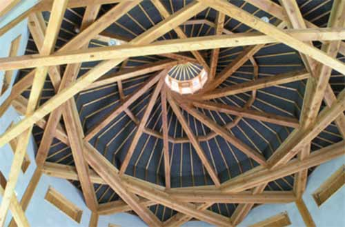 Complex carpentry ceiling