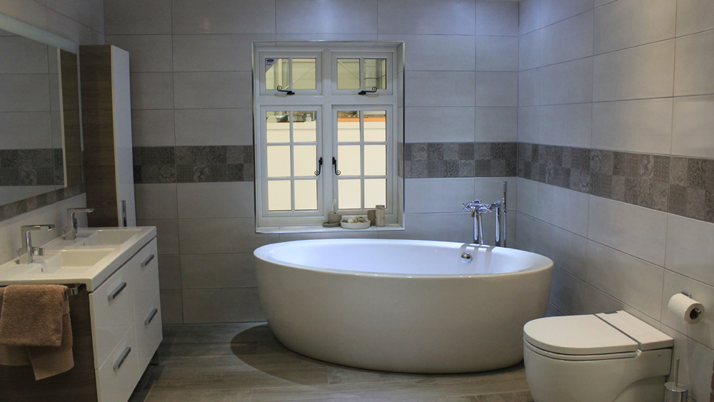 How To Fit A Bath Or Bathroom Suite Replacing A Bathroom Suite - Kwik fit bathroom remodel