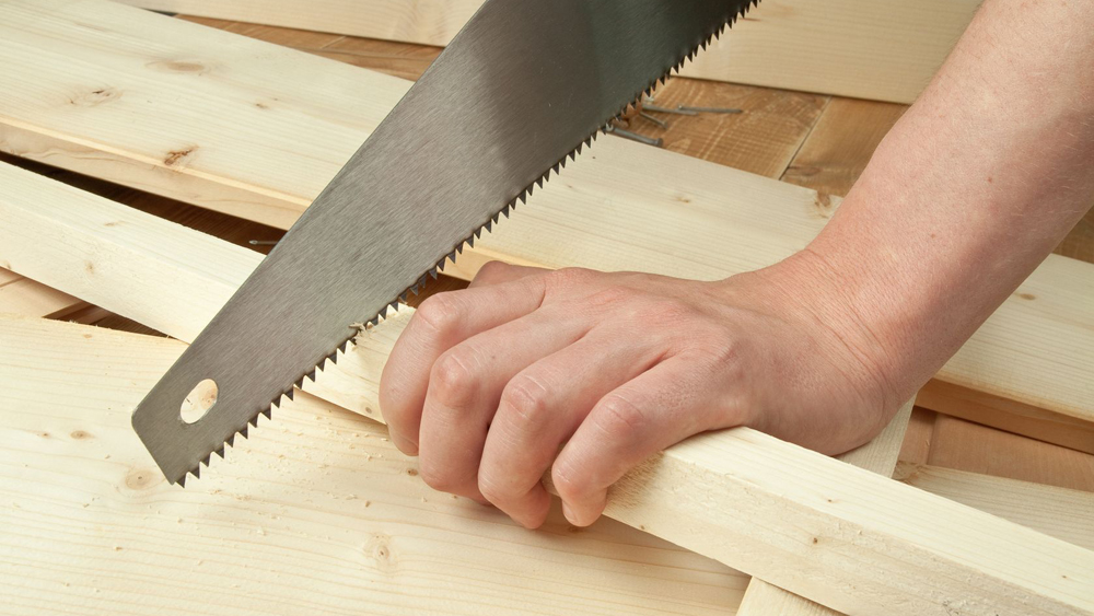 Cutting Timber And Sawing Timber How To Use A Handsaw