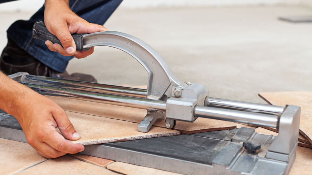 How to cut ceramic tiles without a tile cutter