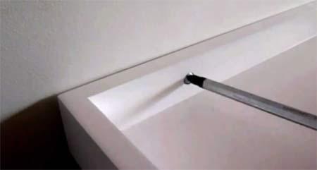 Fitting a shelf bracket