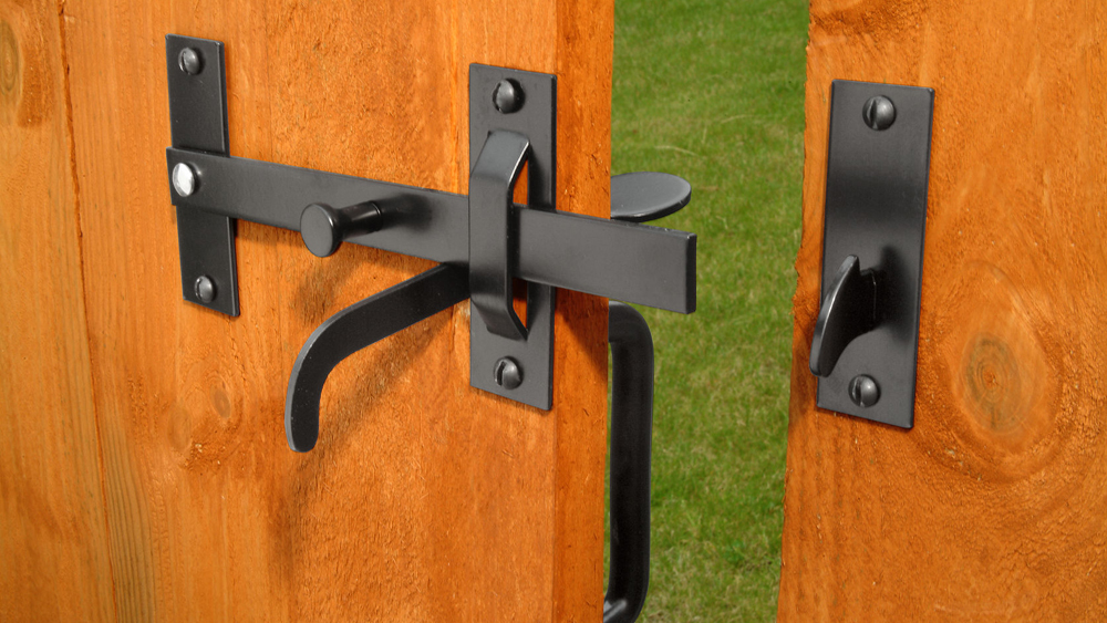 How To Fit A Gate Latch Fitting A Suffolk Or Norfolk