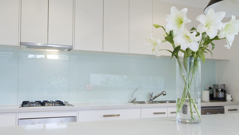 Fitting glass splashbacks information and help on how to fit a fitting glass splashbacks information and help on how to fit a glass splashback in a kitchen or bathroom diy doctor solutioingenieria Gallery
