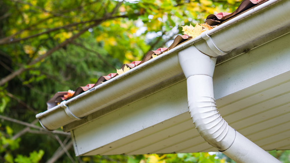 Fitting Plastic Guttering And How To Install And Replace