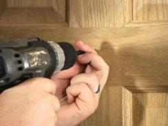 Fixing to Hollow Doors