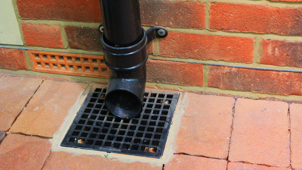 Identifying foul and surface water drainage types of for House roof drain pipes
