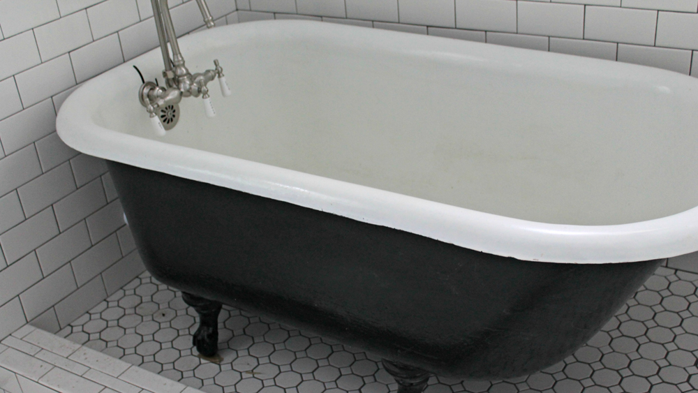 Painting A Cast Iron Bath Using The Correct Paint Diy Doctor
