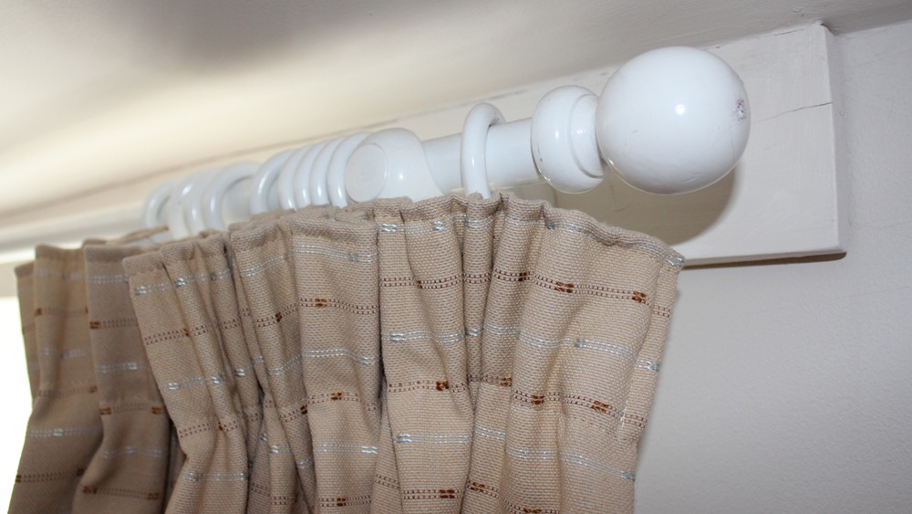 Fixing Curtain Rails And Poles Diy Doctor