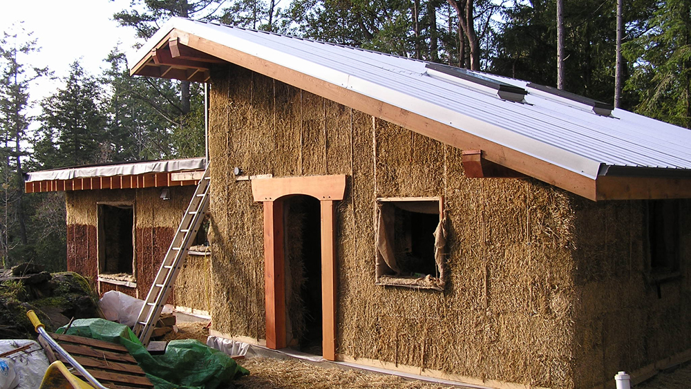 Straw Bale Building – Constructing Homes Using Straw Bales