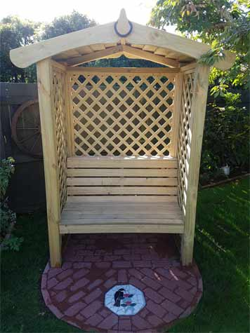 Arbour built by DIY Doctor user