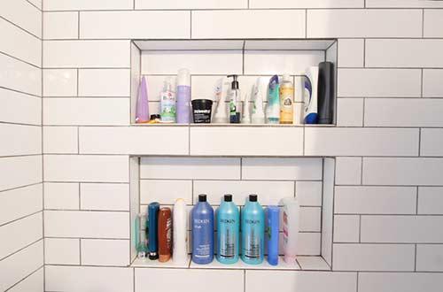 Alcove shampoo storage area