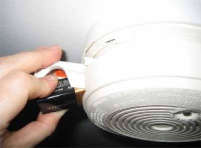 Change a smoke alarm battery
