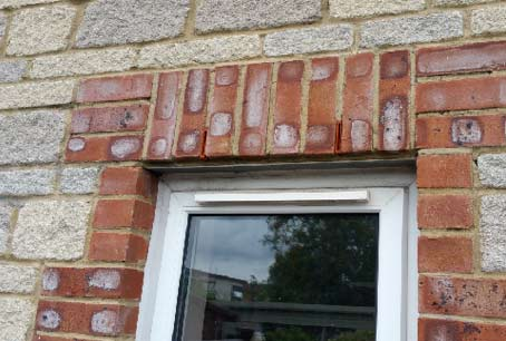 Soldier Course of bricks built on a cavity lintel