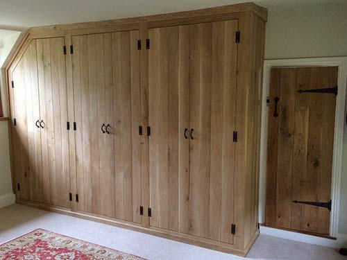 Bespoke oak built-in wardrobe