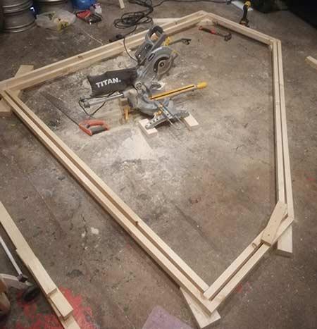 Internal cladding frame inside first outer frame
