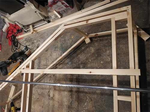Level up hanging rail
