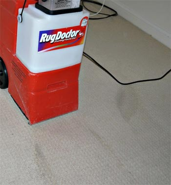 Cleaning carpets with a RugDoctor cleaner