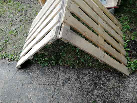Position roof pallets together