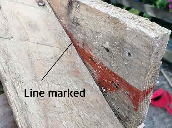 Mark cutting line on roof slat