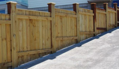 Closeboard fencing following a slope