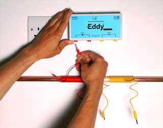 Mounting the Eddy electronic descaling device and plugging in wires