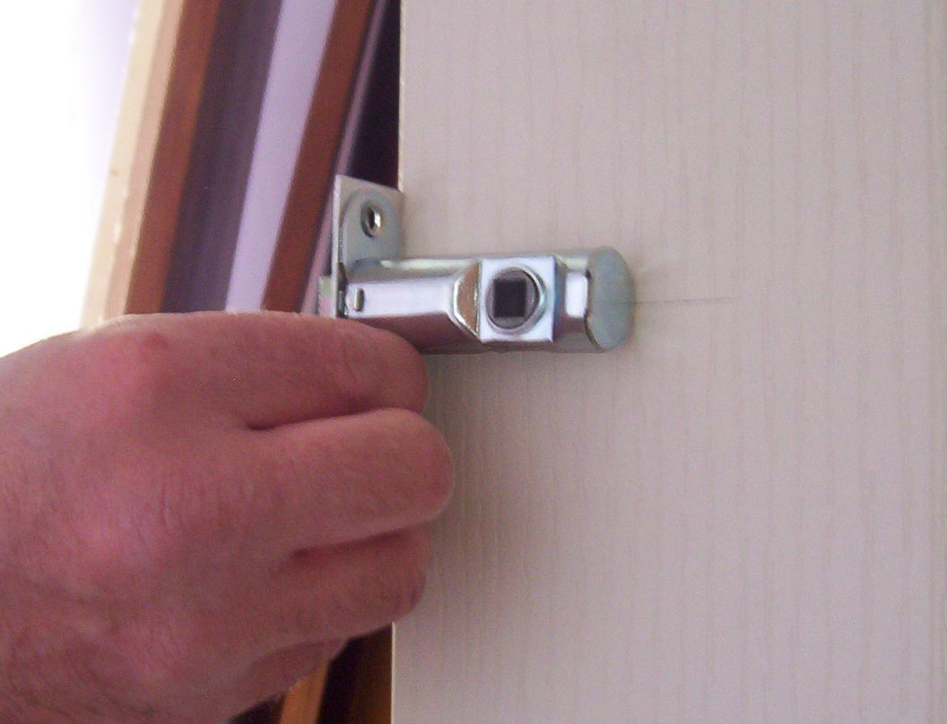 how_to_fit_internal_doors