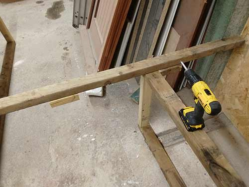 Fix leg to shelf framework