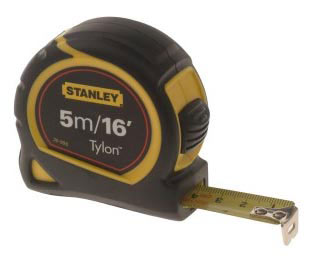 Measuring with a 5m tape from Stanley