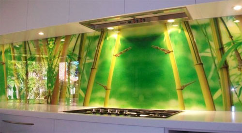 Glass splashback with digital printing
