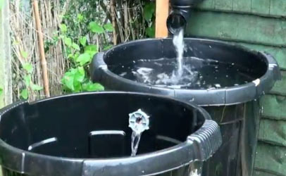 Connecting water butts for rainwater harvesting