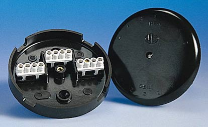 bussbar type terminals in a junction box
