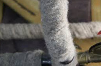 Woolen pipe insulation